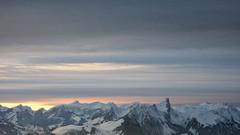Sonnenuntergang - Sunset mit Stockhorn in den Berner Alpen - Alps im Berner Oberland im Kanton Bern der Schweiz (chrchr_75) Tags: christoph hurni schweiz suisse switzerland svizzera suissa swiss chrchr chrchr75 chrigu chriguhurni chriguhurnibluemailch kantonbern berner oberland berneroberland hurni070103 albumzzz200701januar januar 2007 stockhorn berg mountain montagne alpen alps voralpen albumstockhorn