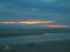 France - Fort-Mahon-Plage (glanerbrug.info) Tags: zon zee fortmahonplage picardie 2006 frankrijk picardi picardy somme francepicardiesomme plage beach strand sea mer meer lucht wolken sun sonne soleil sky himmel ciel nuages clouds sunset