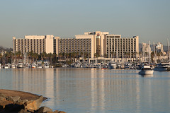 Sheraton hotel and marina on harbor island (Dionardo Davinci) Tags: california cali canon hotel sandiego 5d sheraton harborisland harbordrive markiii