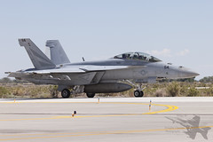 Boeing F/A-18F 166889 (Newdawn images) Tags: plane airplane fighter aircraft aviation military nevada navy jet aeroplane boeing usnavy jetfighter unitedstatesnavy superhornet fa18f militaryjet canonef100400mmf4556lisusm nasfallon vfa154 canoneos5dmarkii nh114 166889