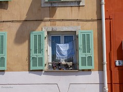 Window (Pinksterbos) Tags: summer sun house france window nice alley laundry colar