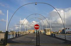 Queen Emma Pontoon Bridge and Otrabanda, Willemstad, Curaao (surferjaws) Tags: bridge puente colonial curacao curazao pontoon duch flotante