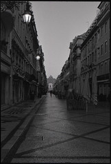 Lisbon at Sunrise (patareco) Tags: city film sunrise 35mm lisbon olympus ~ om2