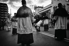_DSC1995-copia (Mathias Brea) Tags: blancoynegro religion social humo semanasanta procesion domingoderamos incienso 2016