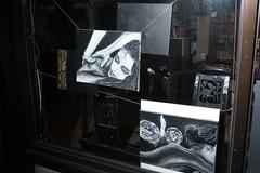 (ziemowit.maj) Tags: uk flash streetphotography nightflash centrallondon cityroad urbanfragment canon5dmkiii ef35mmlf14 greyscalepaintingsofrelaxationinashopwindow