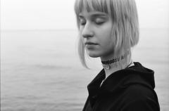 (Juliet Alpha November) Tags: portrait bw film face analog 35mm gesicht kodak jan tmax portrt silence 400 sw analogue miss standstill stille stillstand ketamin meifert