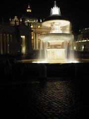 Roma_Notturno_219_1718 (Dubliner_900) Tags: rome roma fountain nightshot olympus sanpietro fontana lazio notturno micro43 handshold mzuikodigital17mm118 omdem5markii