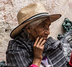 Pensante (1 de 1) (Pepe_Morales) Tags: pensativa persona old person woman women thinking grande grandmother abuela abuelos soe retrato portrait