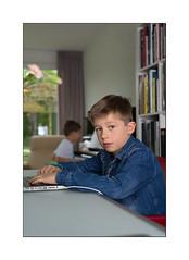 Litemotiv morning (Istvan Penzes) Tags: portrait home digital dof child thomas lucas manualfocus m9 summicron50mm leicam9 penzes quadrahs litemotiv120cmsoftbox elinchrom400elb