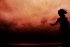 goodbye my love (patoche 38) Tags: sunset red sea sky cloud mer monument silhouette rouge mar rojo monumento marin poetic ciel maritime cielo nubes figure puestadesol silueta nuage gijon flou coucherdesoleil abstrait laloca