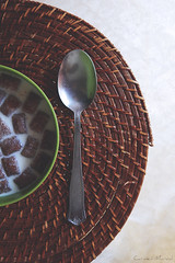 Flips time (Carmen Marval) Tags: food verde green caf breakfast milk still nikon chocolate venezuela comida cereal spoon bowl da coolpix lait concept cloth tablecloth conceptual cocoa latte desayuno leche  lffel flips frhstck milch mantel cuillre manh colazione djeuner cucchiaio leite cuchara concepto  getreide  anzoategui cubierto crale  miruku cereale   l830  chshoku kokumotsu  gli nini supn shozi zocn