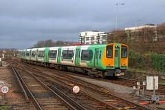 313208 (40011 MAURETANIA) Tags: train brighton transport southern emu britishrail unit 442 387 313 377 govia overallroof