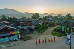 Monks in the Morning - Vang Vieng (jennifer.stahn) Tags: morning travel sunrise nikon asia asien earth jennifer monk monks laos sonnenaufgang vientiane mönche vang vieng stahn aroundasia
