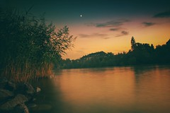 Am Main... (hobbit68) Tags: old sunset sky clouds canon river wasser nacht outdoor alt frankfurt sommer main himmel wolken fluss sonne sonnenschein