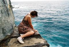 A seat unto the horizon (Yannick Mackiewicz) Tags: ocean cliff 35mm nikon sydney australia newsouthwales 135 frontier nikonfa aby portra800 easternsuburbs sp3000 visionimagelab
