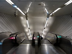 Toulouse - Mtro - Capitole (IngolfBLN) Tags: france station subway frankreich metro ubahnhof val ubahn toulouse capitole pnv hautegaronne undergrond lignea a tisseo