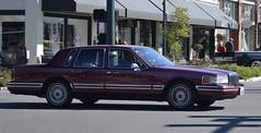 Lincoln Town Car (Custom_Cab) Tags: door red car sedan town 4 1996 1993 lincoln 1997 1991 1992 1995 1994 1990 4door