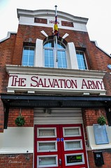 Salvation Army (Jos E.Egurrola/www.metalcry.com) Tags: santa city uk travel viaje england london english towerbridge underground nikon tour salvationarmy jose abril londoneye bigben milleniumwheel tourist explore londres april british es ingles eastern signal turismo semana esteban semanasanta londoncity cityoflondon viajar seal d300 2015 undergroundsign britanico puentedelondres egurrola britishlife nikond300 noriadelmilenio typicalenglish joseegurrola april2015 relojbigben abril2015