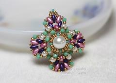 Jovetta (BeeJang - Piratchada) Tags: pink green gold golden purple czech handmade jewelry pearl swarovski miyuki beading beaded pendant beadwork chaton beadweaving superduo