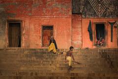 Inde du nord: scne matinale sur les ghats de Bnares. (claude gourlay) Tags: india asia varanasi asie inde ghats bnares claudegourlay