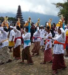 2014 Bali  (134) (llynge) Tags: 2014 bali ulundanu tempel danser
