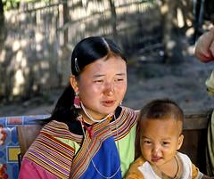 Maman et bb (tam74dou77) Tags: femme maman enfant bb tribu thailland