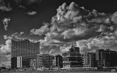 Hamburg, Elbphilharmonie (stein.anthony) Tags: bw clouds hamburg himmel wolken schwarzweis elbphilharmonie