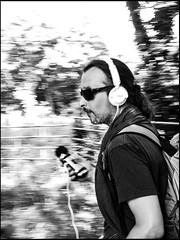 20130715-409 (sulamith.sallmann) Tags: people bw music man blur france person blurry frankreich europa menschen sw mann normandie musik unscharf manche fra unsharp personen mensch kopfhrer verschwommen lahague enkidu bassenormandie unschrfe sulamithsallmann treauville