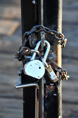 Ventura I 029 (Martini Mike / House of D'Arco) Tags: california ca usa photography pier photo nikon gate photographer lock places socal photograph locks ventura chained padlocks darco martinimike wwwthemartinimikecom venturai