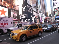 Times Square NYC 2016 Ford Escape Taxi 2H68 (wheeltoyz) Tags: new york city nyc bus ford square king escape taxi broadway lion hersheys times 2016 2h68