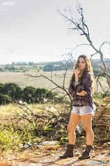 Mariana Vieira (henrickovides) Tags: contraluz book boudoir ruiva eucalipto pertodecasa marianavieira
