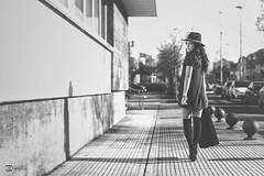 Carla C. - 22 (G. Goitia Fts) Tags: street shadow blackandwhite bw streetart cute blancoynegro monochrome composition canon photography monocromo calle cool model shoot gente modeling gorgeous streetphotography sombra compo noflash bn modelo hut desenfoque belle urbana shooting estilo urbano bella sombrero capture guapa belleza composicin actitud airelibre blancetnoir callejera estilismo monocromtico modella enfoque sinflash sincolor
