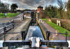 Bratch Locks (Raphooey) Tags: uk bridge england west water canon eos canal gate lock gates path bridges canals gb locks worcestershire paths staffordshire tow hdr worcester incline midlands wolverhampton wombourne photomatix 70d bratch