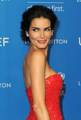 Angie Harmon (fande.lady) Tags: mature angieharmon actrice clbrit clbre