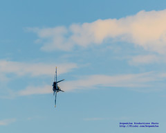 A FA-18C ON ITS SIDE... (AvgeekJoe) Tags: nikon dslr blueangels usnavy usn fa18 navalaviation fa18hornet fa18c fa18chornet boeingfa18chornet boeingfa18hornet usnavyblueangels boeingfa18 d5300 boeingfa18c nikond5300