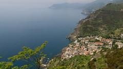 Riomaggiore - Cinque Terre (NilsT.) Tags: italien italy panorama drive coast italia coastal terre cinque riomaggiore kste