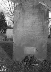 Grave of William Jones (IanAWood) Tags: urban stpancras walkingwithmynikon lbofcamden nikkorafs28mmf18g nikondf