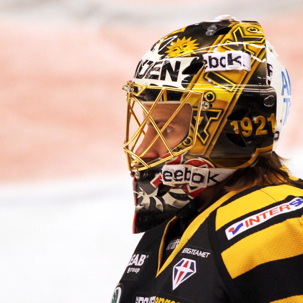 Joacim Eriksson 2011-10-13 (Michael Erhardsson) Tags  goalie skellefteå aik 59c3f44874789