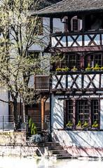 Strasbourg, petite france. (klingp (instagram)) Tags: france strasbourg alsace immeuble batiment colombages alsacechampagneardennelorraine alsacechampagneardennelorrain