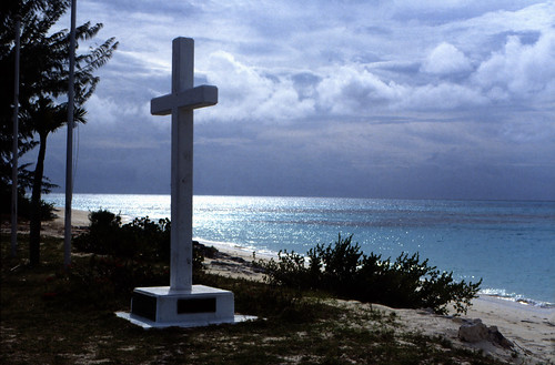 "Bahamas 1989 (718) San Salvador: Kolumbus Landung • <a style=""font-size:0.8em;"" href=""http://www.flickr.com/photos/69570948@N04/26047262056/"" target=""_blank"">View on Flickr</a>"