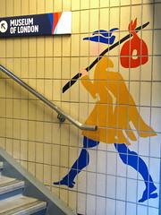 Museum of London (MKP-0508) Tags: greatbritain london stairs fliesen treppe escalier figur museumoflondon cmwd cmwdyellow grosbritannien