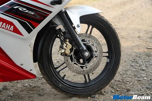 Yamaha-R15-S-18