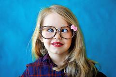 Carlota (Eduardo Valero Suardiaz) Tags: blue glasses eyes ojos blonde squint rubia gafas guapa beautifull carlota squinting azules bizco bizca