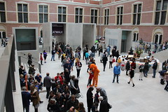 The Atrium (Davydutchy) Tags: orange art netherlands amsterdam museum tickets march postbank kunst lion entrance nederland bank national info atrium ing rijksmuseum paysbas balie ingang kaartjes niederlande lwe selfie leeuw promotie cuypers 2016