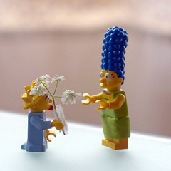 Feliz dia de la Madre... (mike828 - Miguel Duran) Tags: zeiss toy lego sony carl mothersday slt juguete sonnar diadelamadre vario 1680mm a77v