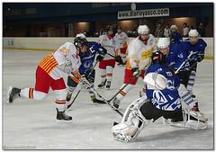 Hockey Hielo - 44 (Jose Juan Gurrutxaga) Tags: ice hockey hielo txuri urdin txuriurdin izotz icebluecats file:md5sum=33bdbce38bb2f89ddc09886e05b1fca9 file:sha1sig=4ca4d5e023c56969eefd173afc5068c9056cfc17