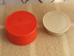 Aladdin Red Thermos (vintage-13) Tags: red food classic vintage beige 60s colorful forsale nashville cream ivory kitsch retro container plastic 80s 70s 1960s etsy 1970s aladdin 1980s thermos quart insulated hylo storages 1qt wm1060p