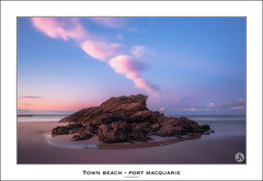 Town Beach - Port Macquarie (John_Armytage) Tags: sunset cloud seascape landscape colours dusk pastels portmacquarie townbeach sonyalpha sony1635 sonyaustralia johnarmytage sonya7r2