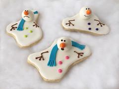 melting snowmen cookies (sagodlove) Tags: snowmen fondant decoratedsugarcookies snowmancookie meltingsnowman 3dcookies meltingsnowmancookie