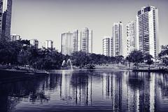 (victorcamilo) Tags: travel brazil bw water gua arquitetura brasil canon relax sunday places pb viagem turismo urbanism domingo fonte lugar goinia urbanismo turism goiania goias canonlens flamboyantpark parqueflamboyant jardimgois lugaresdomundo victorcamilo parquesdecidades